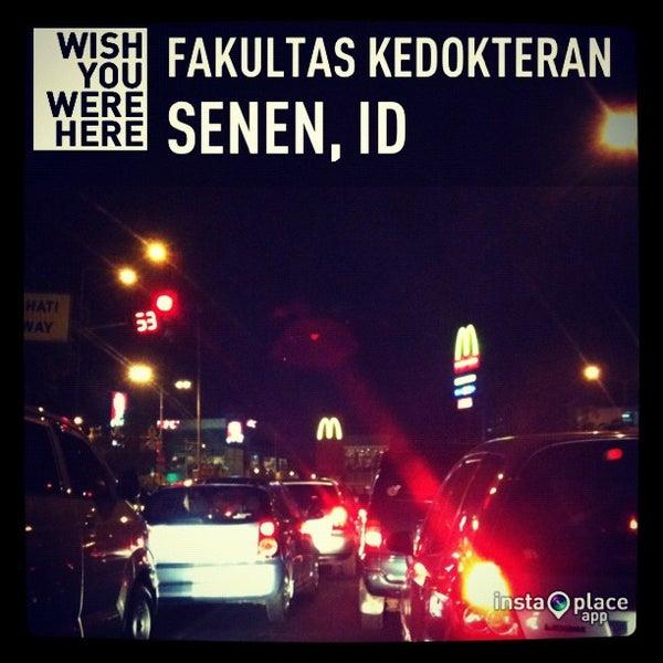 Photo taken at Fakultas Kedokteran Universitas Indonesia by lily, j. on 12/10/2012