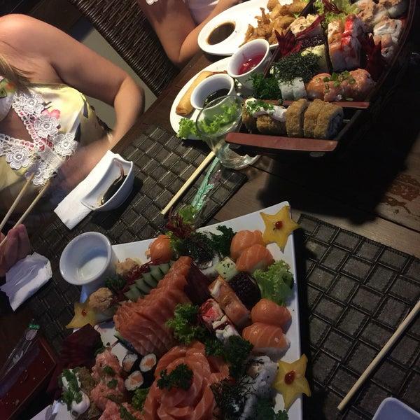 Foto tirada no(a) Hachi Japonese Food por Clarissa R. em 9/11/2016