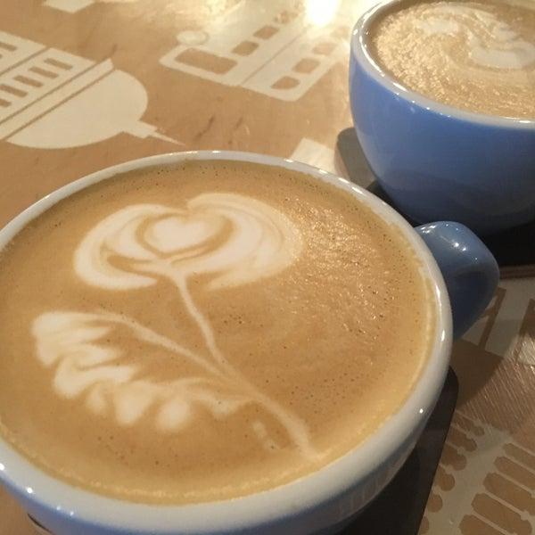 Снимок сделан в First Point Espresso Bar пользователем Liudmyla P. 4/2/2018