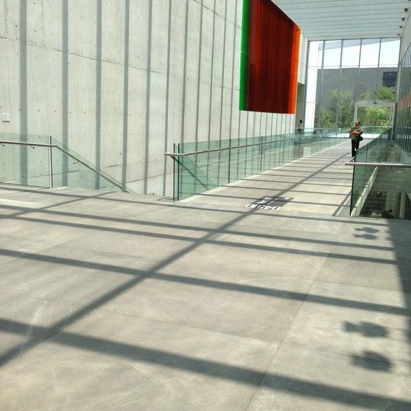 Foto tomada en MUAC (Museo Universitario de Arte Contemporáneo). por Jerry o. el 7/14/2013