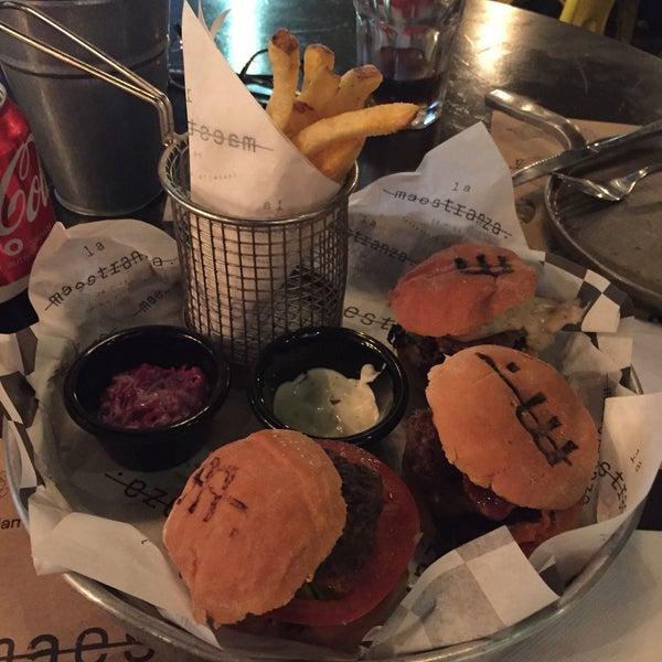 Foto tomada en La Maestranza Sandwich & Burger Bar por Paulina L. el 1/10/2018