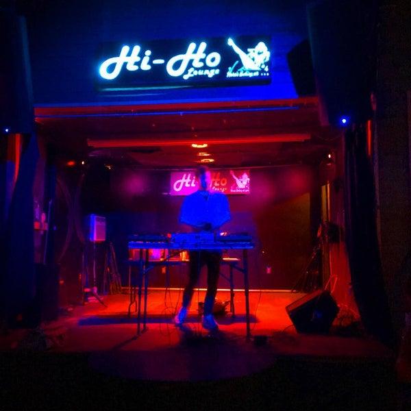 Photo taken at Hi-Ho Lounge by ;0~~¥W^1$P€R$ on 3/18/2016