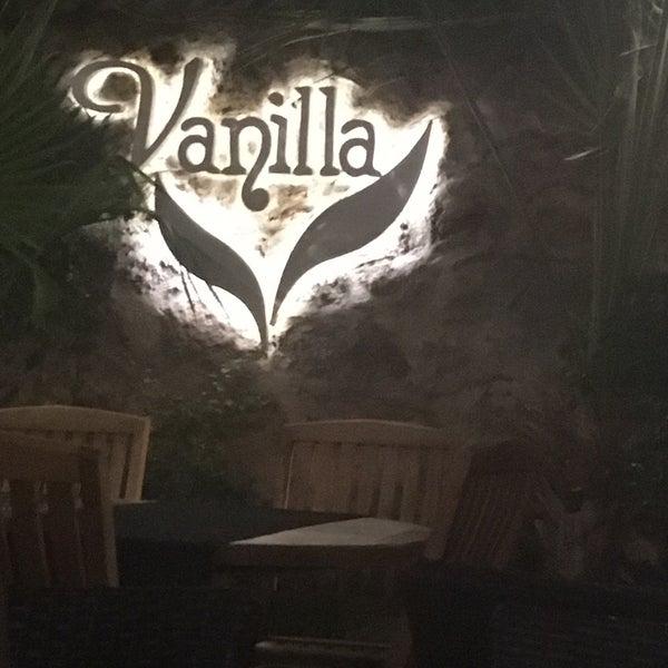 7/27/2017 tarihinde Ceyla K.ziyaretçi tarafından Vanilla Lounge'de çekilen fotoğraf