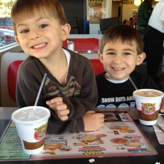 Photo taken at Waffle House by Dino P. on 11/24/2012