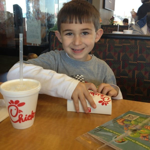Photo taken at Chick-fil-A Holly Springs by Dino P. on 1/7/2013