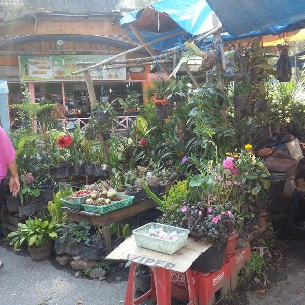 Photo taken at Pasar kaget berastagi by Henny S. on 3/20/2013