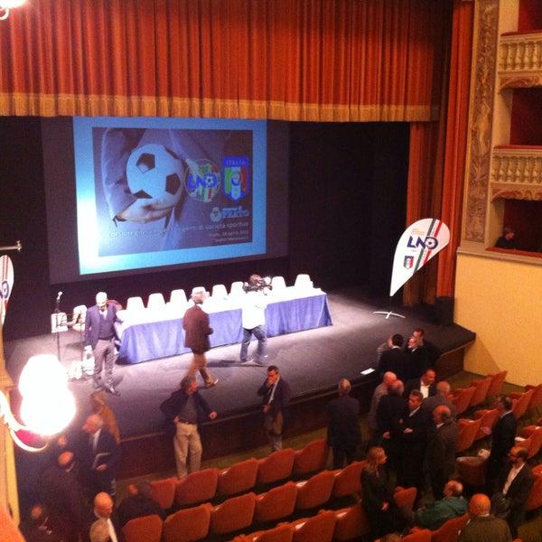 Foto diambil di Teatro Metastasio oleh Adamo L. pada 4/18/2015