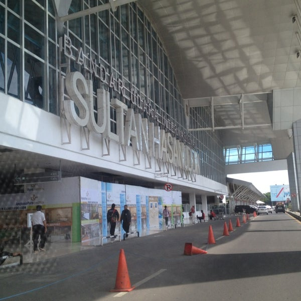 Photo taken at Sultan Hasanuddin International Airport (UPG) by Agatha N. on 3/27/2013