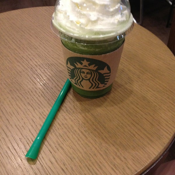 Photo taken at Starbucks by Dakanda L. on 1/6/2013