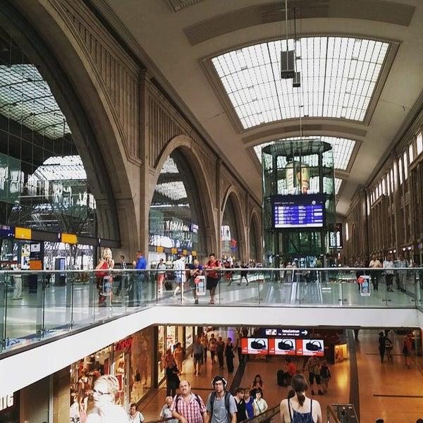 Das Foto wurde bei Promenaden Hauptbahnhof Leipzig von Tom N. am 8/12/2015 aufgenommen