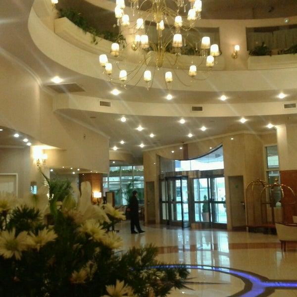 Foto tomada en InterTower Hotel por Romina M. el 6/12/2013