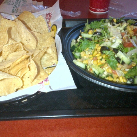 Photo taken at Moe's Southwest Grill by Ray G. on 11/19/2012