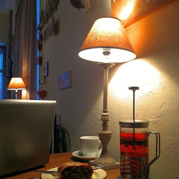 Снимок сделан в Cafeletto пользователем Даниил Х. 1/30/2013