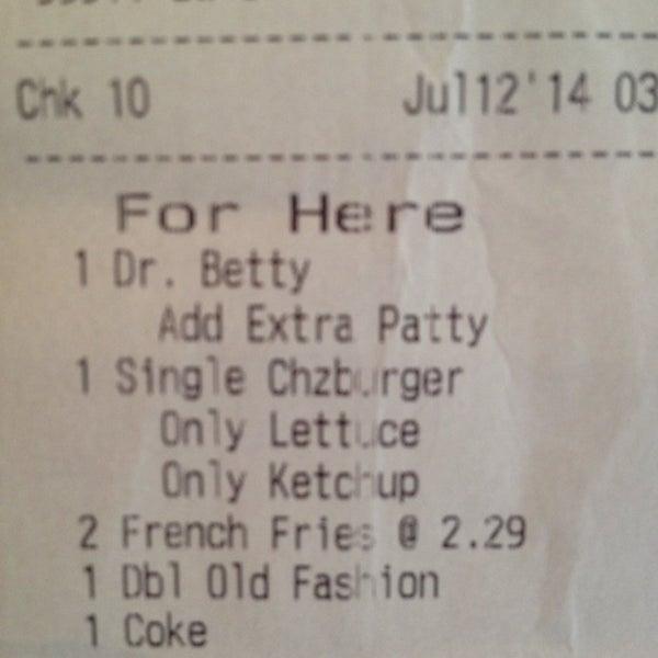Photo taken at M Burger by Ana V. on 7/12/2014