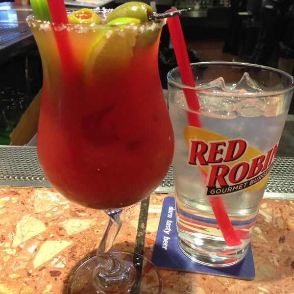 Photo taken at Red Robin Gourmet Burgers by Jack S. on 2/10/2013