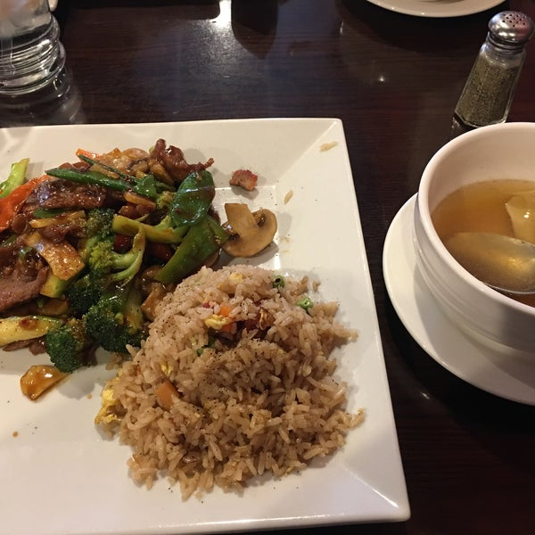 Photo prise au Asia Gourmet par Tony D. le4/22/2017