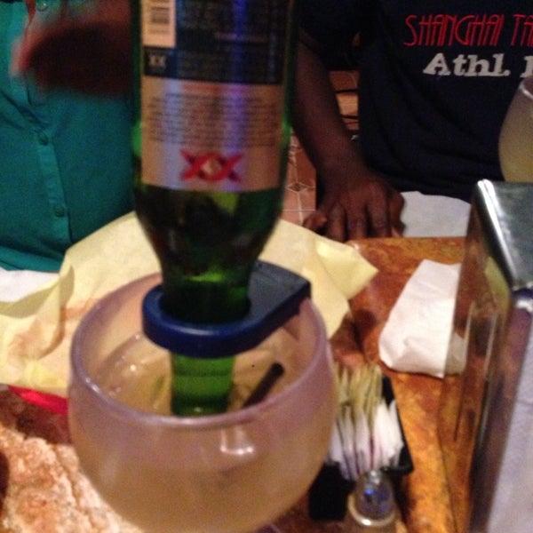 Foto tomada en Fiesta Martin Mexican Grill por Farouq J. el 11/3/2013