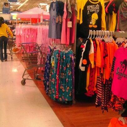 Photo prise au Walmart par Davies M. le10/8/2011