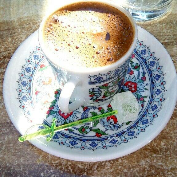 12/3/2015 tarihinde Hakan Y.ziyaretçi tarafından LimonH₂O Cafe Bistro'de çekilen fotoğraf
