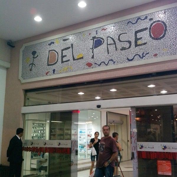 Foto tirada no(a) Shopping Del Paseo por Nicola C. em 6/7/2013