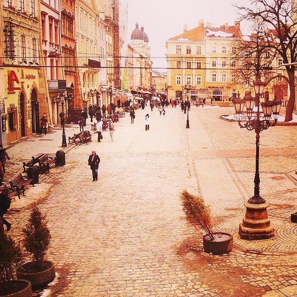 Снимок сделан в Площадь Рынок пользователем Petro N. 4/1/2013