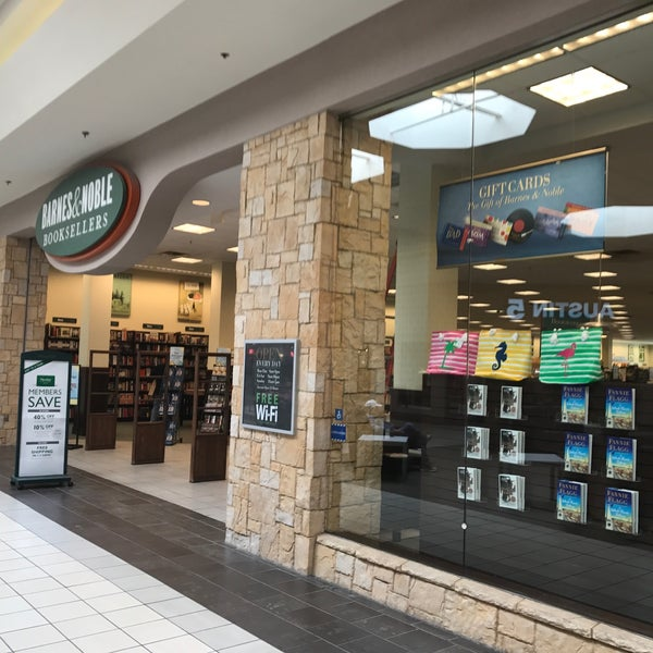 Photo taken at Barnes & Noble by Tate V. on 5/25/2017