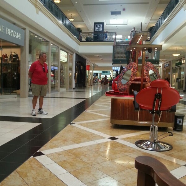 Photo taken at King of Prussia Mall by Alzon A. on 8/26/2013