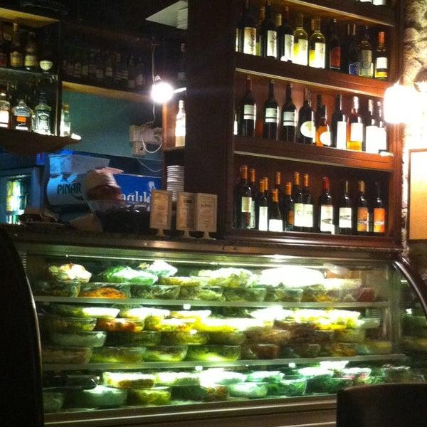 11/15/2013 tarihinde Utku Y.ziyaretçi tarafından Yengeç Restaurant'de çekilen fotoğraf