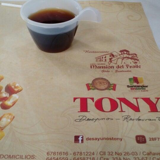 Foto tomada en Restaurante Tony por Daniel P. el 3/21/2015