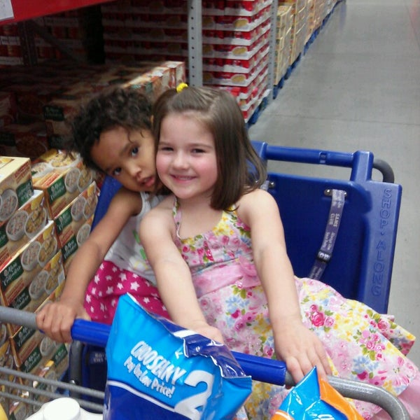 Photo taken at Sam's Club by Kyle Sogck S. on 3/14/2014