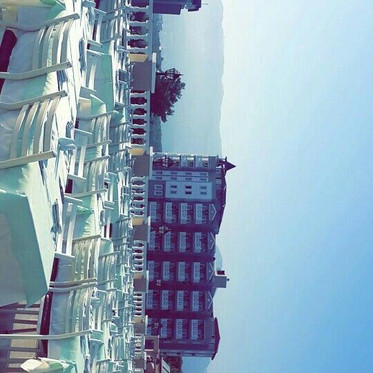 Photo prise au Club Paradiso Hotel & Resort par DoğanCan Ç. le8/3/2015
