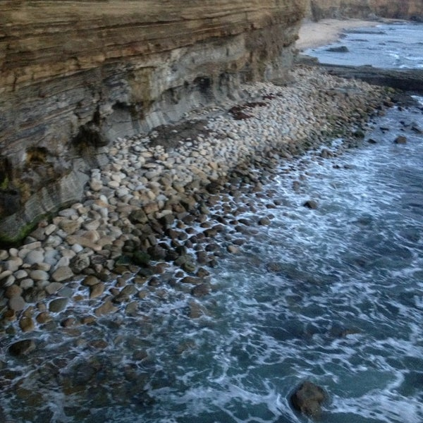 Foto tirada no(a) Sunset Cliffs Natural Park por Brittney C. em 3/18/2013