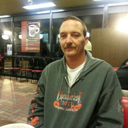 Photo taken at Waffle House by Billy B. on 12/22/2012