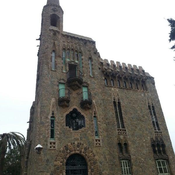 Foto tomada en Torre Bellesguard por Raquel N. el 2/21/2014