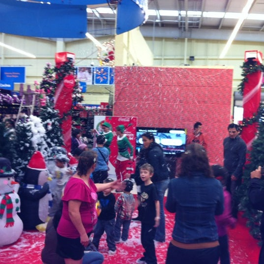 Photo taken at Walmart by Pao F. on 11/25/2012