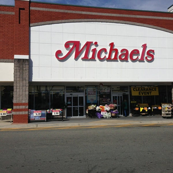 Michaels arts crafts store for Michaels crafts store locator