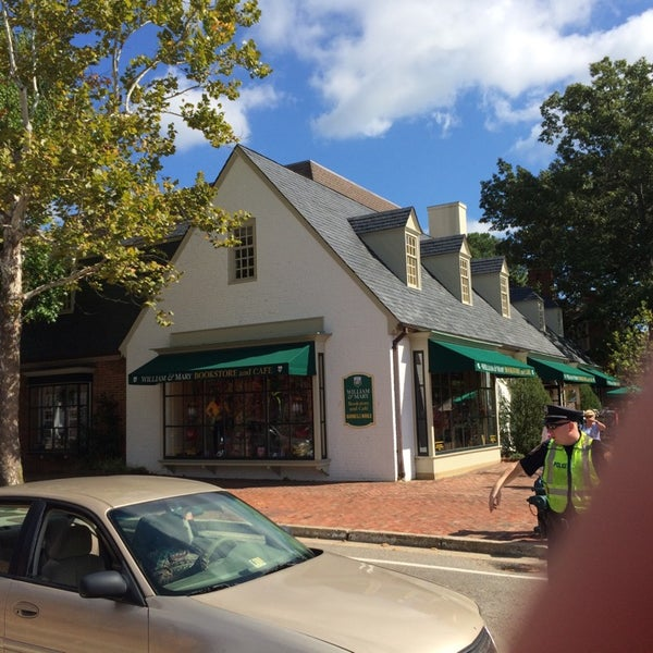 Photo taken at College of William & Mary Bookstore by Chuck N. on 10/4/2014