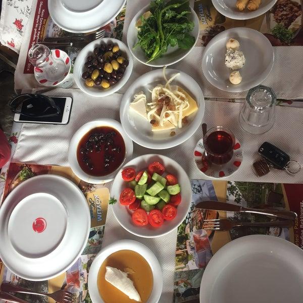 11/19/2017 tarihinde Şamil Ö.ziyaretçi tarafından Köyüm Bahçe Restaurant'de çekilen fotoğraf