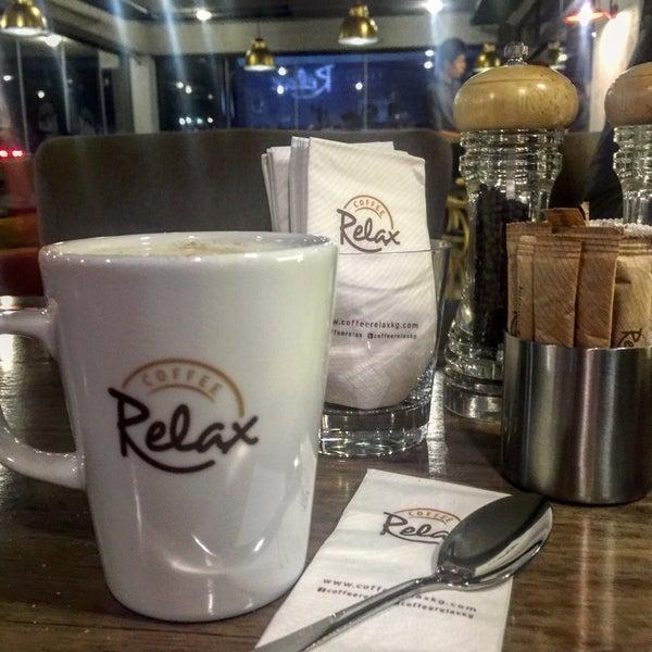 Снимок сделан в Coffee Relax пользователем Kyubra A. 11/16/2015