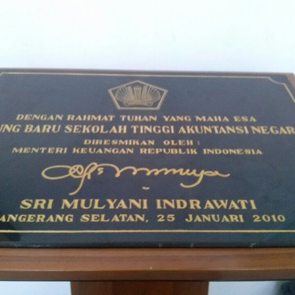 Photo taken at Sekolah Tinggi Akuntansi Negara (STAN) by putri i. on 6/27/2013