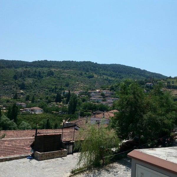 7/15/2013 tarihinde Bulent B.ziyaretçi tarafından Şirince Artemis Şarap ve Yöresel Tadlar Evi'de çekilen fotoğraf