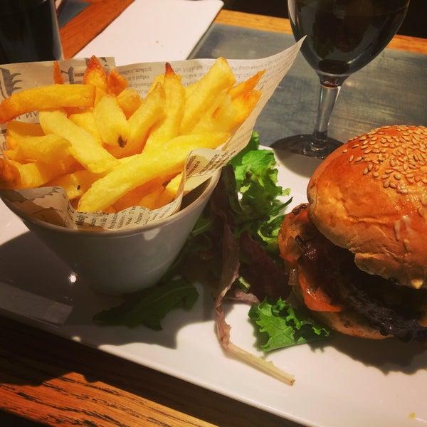Harper's Burger & French Fries ;) #Miam