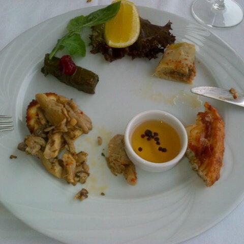 2/14/2013 tarihinde Ünsal Ö.ziyaretçi tarafından Matbah Restaurant'de çekilen fotoğraf