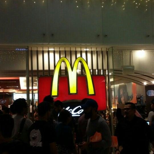 Photo taken at McDonald's / McCafé by Ahmad Kamal E. on 12/5/2015