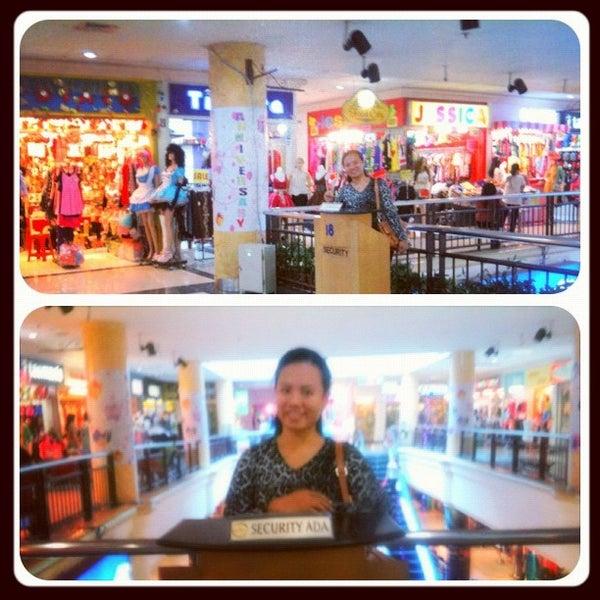 Photo taken at Bandung Trade Centre - BTC Fashion Mall by tin h. on 10/31/2012