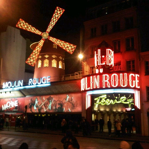 Photo taken at Moulin Rouge by Darren D. on 11/2/2012