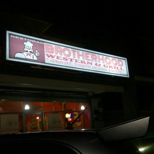 Photo taken at Brotherhood Western&Grill by Sue Ellen B. on 8/12/2015
