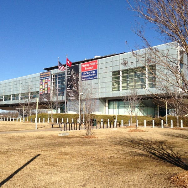 Foto tomada en William J. Clinton Presidential Center and Park por Bella B. el 2/19/2013