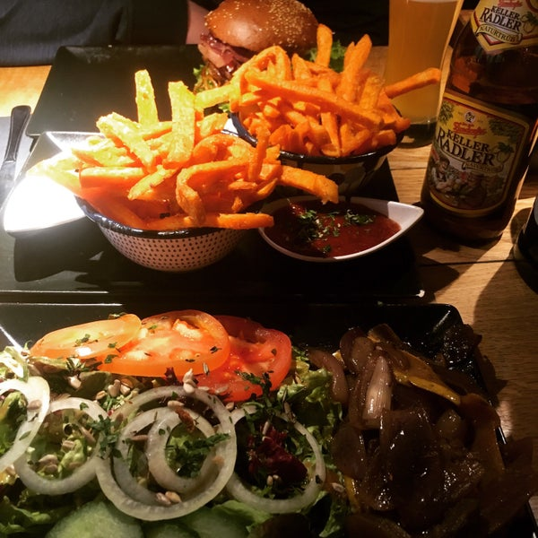 If you like Burgers and you are in Nürnberg, you have to come and try them! The sweet potatoes are great 😁