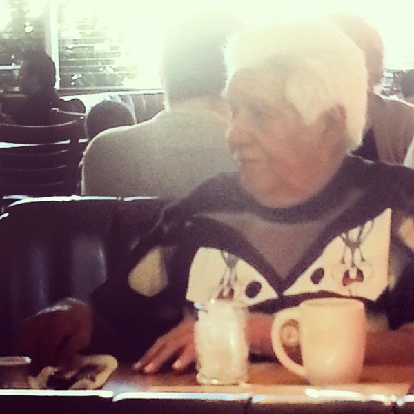 Photo taken at Denny's by lafinguy on 11/3/2013